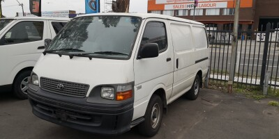 2003 TOYOTA HIACE SWB Manual